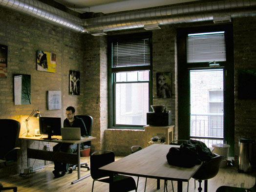 Web programmer Brett Yates works on his own terms at the COOP coworking space.  Photo: Ian Monroe/Medill